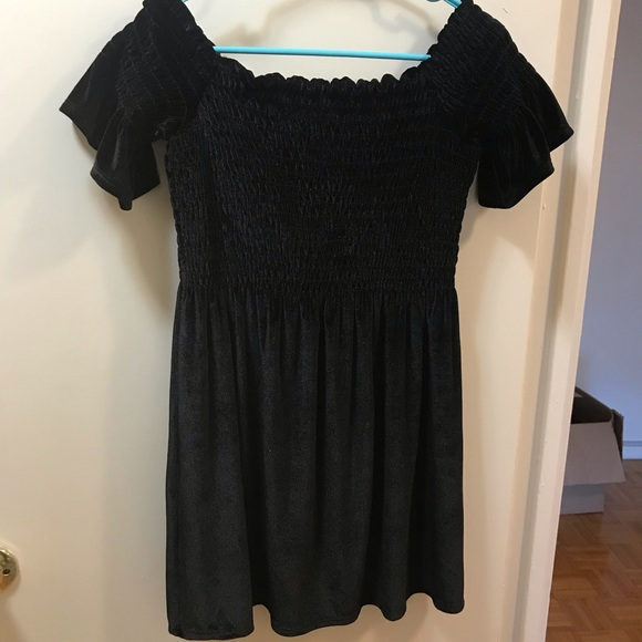 Urban Outfitters Dresses & Skirts - Off shoulder dress